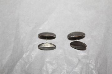 Butoni ovali argintii anii 70