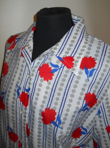 Camasa vintage print garoafe anii '60