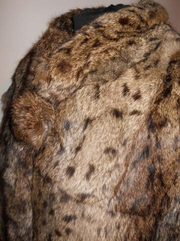 Haina din blana de pisica salbatica si piele anii '80