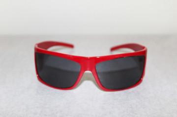 Ochelari de soare retro rosii anii '80