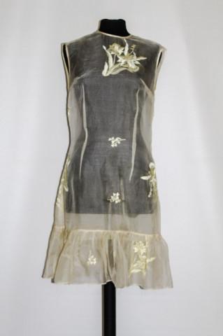Rochie vintage din organza brodata anii '50