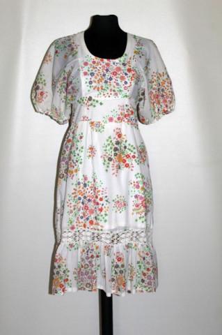 Rochie vintage dungulițe și flori anii 70