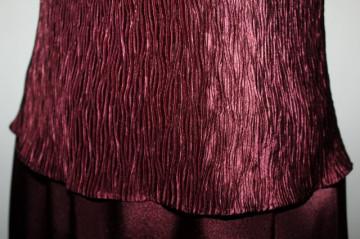 Rochie de seara din satin visiniu anii '80