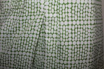 Rochie vintage buline albe pe fond verde anii '60