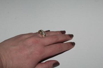 Inel placat cu aur și cristale anii 70