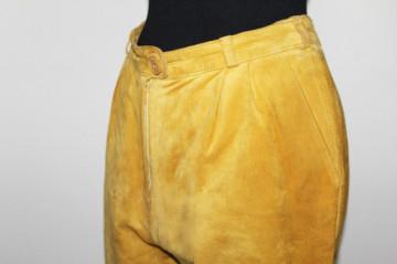 Pantaloni din piele intoarsa galben mustar anii '80