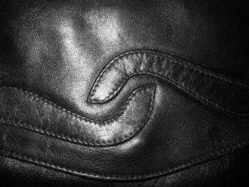Plic vintage din piele neagra anii '60