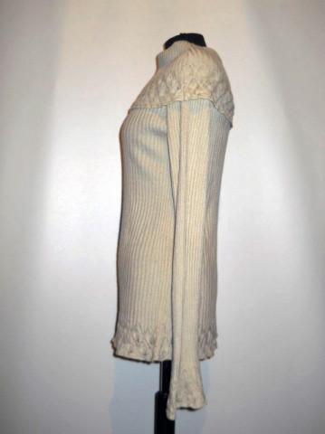 Pulover crem model dantelat repro anii '70