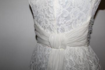 Rochie de seara din dantela ivoire anii '50