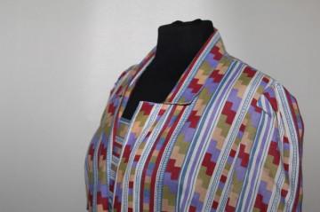 Rochie pliseuri și print geometric anii 60