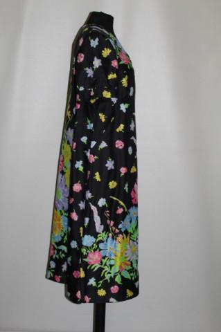 Rochie print floral pe fond negru anii 70
