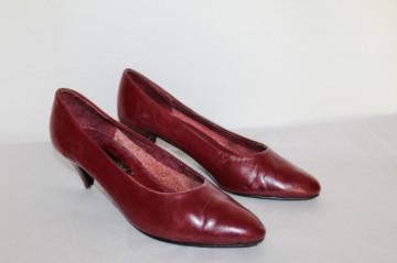 Pantofi retro visinii cu toc cui anii '80
