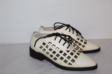 Pantofi model traforat Steve Madden