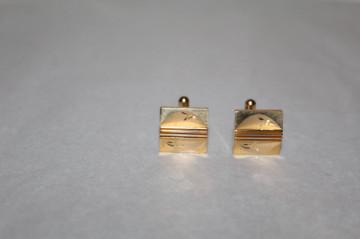 Butoni aurii model incizat și dungi în relief  anii 70