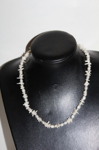 Colier din perle si sidef vintage anii '50