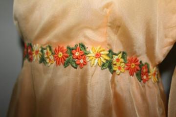 Rochie de seara din voal portocaliu anii '60