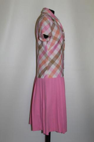 Rochie vintage roz cu fusta plisata anii '60