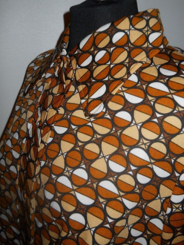 Camasa maro model geometric anii '60