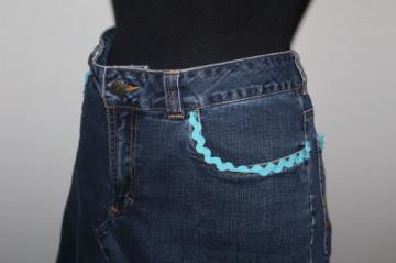 Fusta din jeans volan degrade si aplicatii anii '90