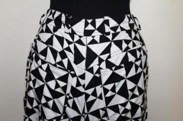 "Pantaloni alb cu negru ""Escada"""