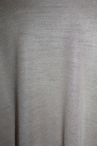 Pulover bej asimetric