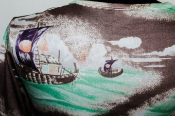 Tricou print corabii anii '70