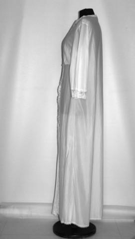 Lounge robe vintage alb cu dantela anii '70