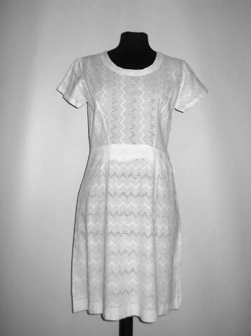 Rochie vintage alba brodata anii '50