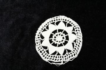 Set trei ornamente florale dantela anii '30 - '60