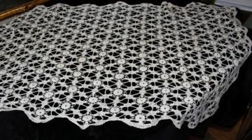 Fata de masa vintage din dantela crochet anii '40