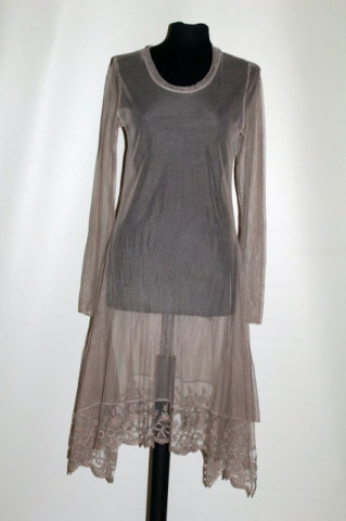 Rochie / overdress din tuille brodat anii 90