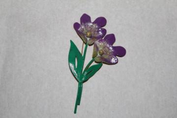 Brosa email flori violet anii '30