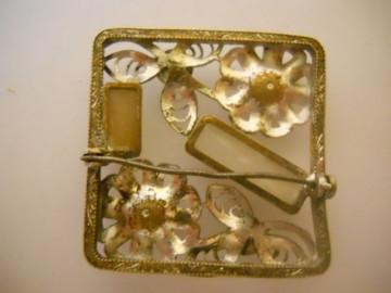 Brosa filigran si sticla anii '40