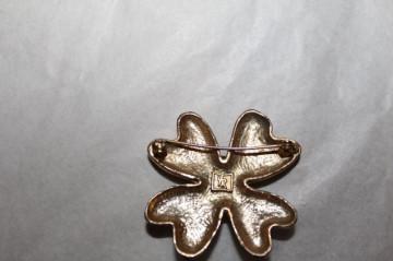 Broșă floare Yves Rocher anii 60