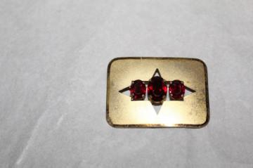 Broșă pietre roșii anii 20