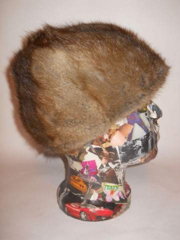 Caciula din blana de opossum anii '60