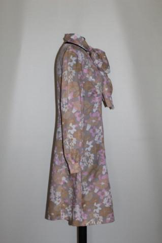 Rochie print floral roz si bej anii '60