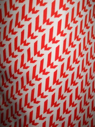 Rochie print grafic alb si rosu anii '70