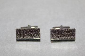 Butoni argintii model valurit anii '70