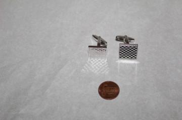 Butoni argintii model romboidal anii 70