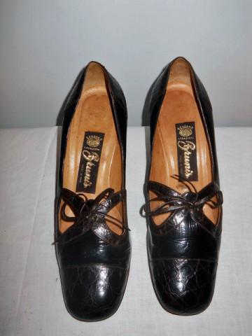Pantofi lac si piele de aligator anii '60