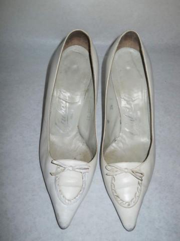 Pantofi vintage alb murdar anii '50 - '60