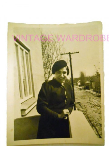 "Foto vintage portret de femeie ""bascuta"" anii '40"