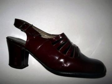 Pantofi visinii lac anii '60