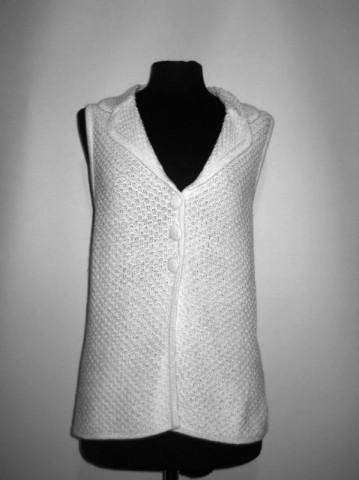 Vesta alba din tricot repro anii '70
