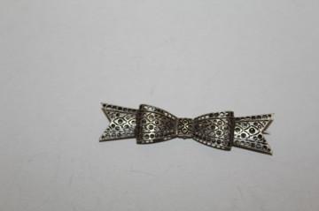 Broșă fundă argintie anii 30