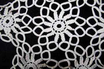 Dantela crochet vintage flori anii '60