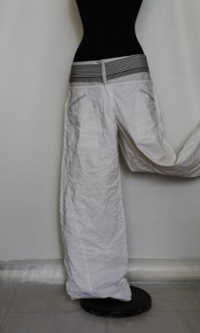 """Pantaloni albi """"Giorgio Armani"""""""