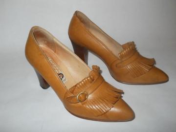 Pantofi maro franjuri anii '70