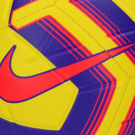 Minge fotbal Nike Strike Team